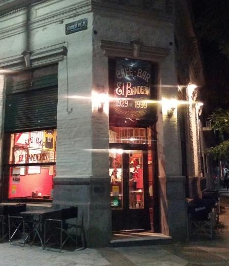 El Banderín bar